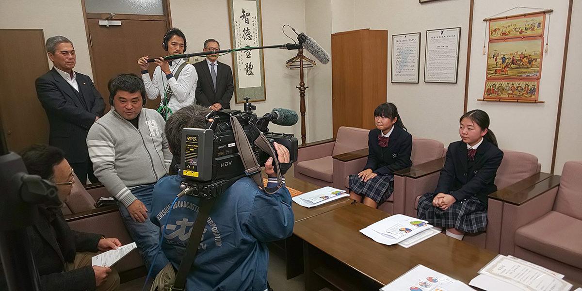 第二回家族への手紙 学校賞 TV取材2